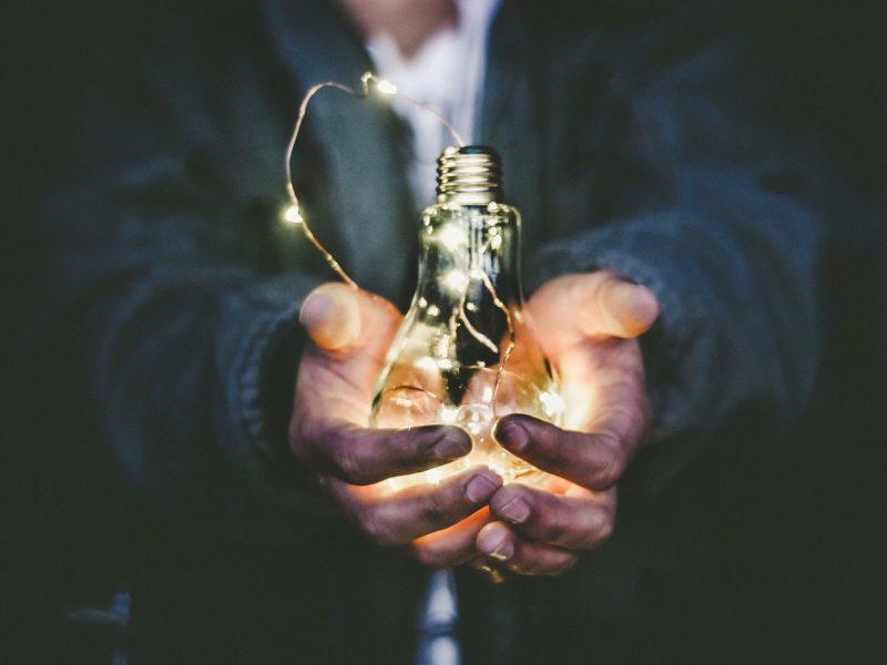 Sostegno alle Startup innovative:                          Smart & Start Italia
